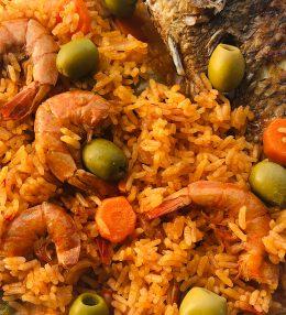 Riz gras au poisson frit